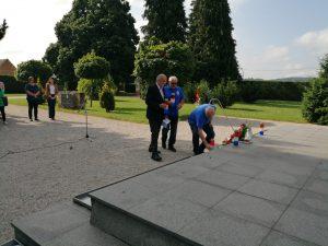 Uoči Dana državnosti položeni vijenci na gradskom groblju